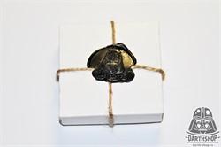Картонная коробочка для значка, кулона или запонок 66х66х24 мм - фото 4453