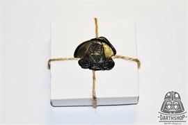 Картонная коробочка для значка, кулона или запонок 66х66х24 мм